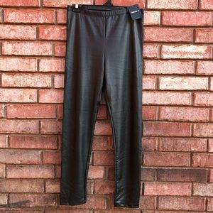 Faux leather leggings sz Large. NWT!